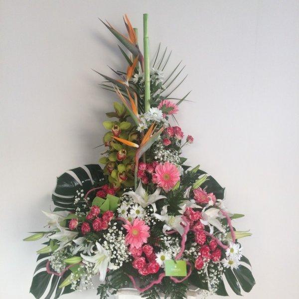 centro de flores tropicales y originales