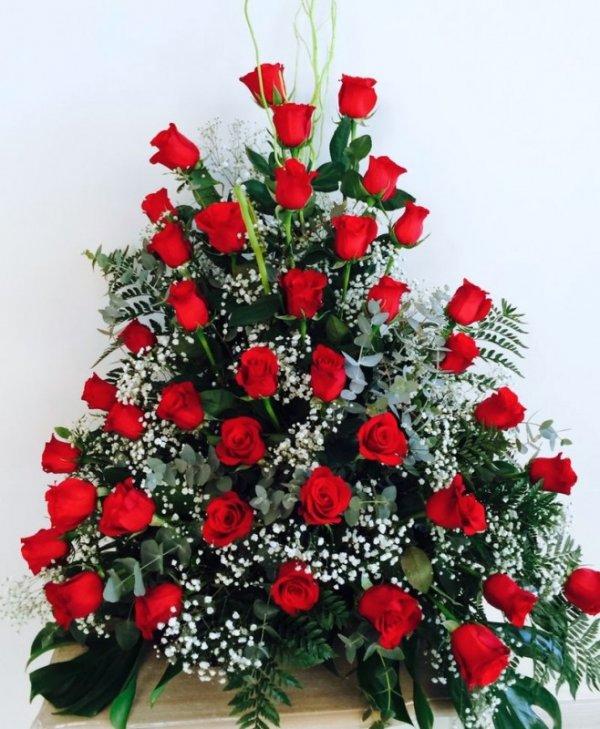 centro de 36 rosas rojas
