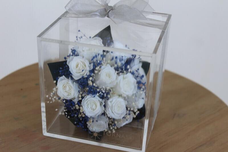 envolviendo regalos de boda