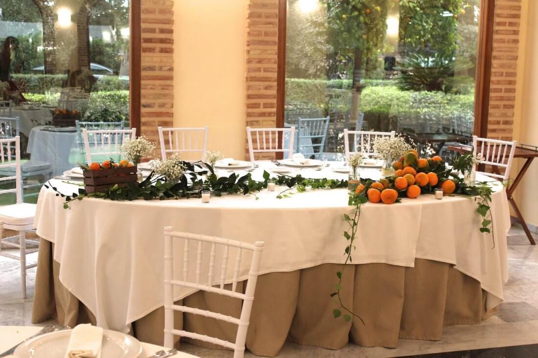 ion de mesas en salones y masias