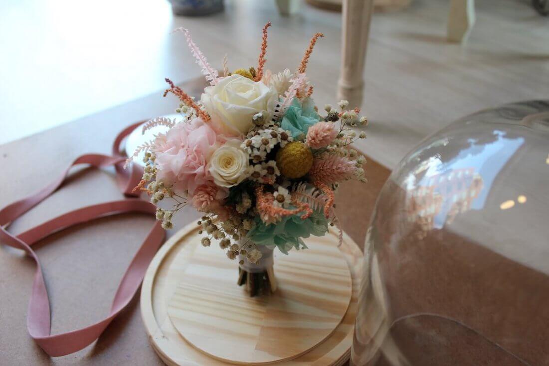 réplica preservada de ramo de novia