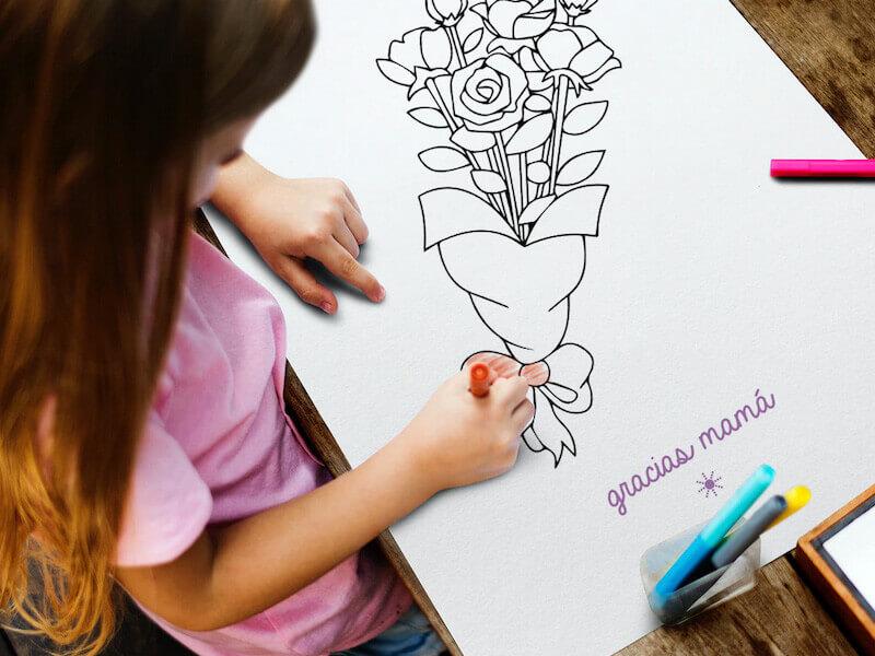 niña pintando un ramo de flores para mamá
