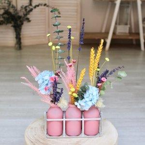 Cesta lechera de flores secas