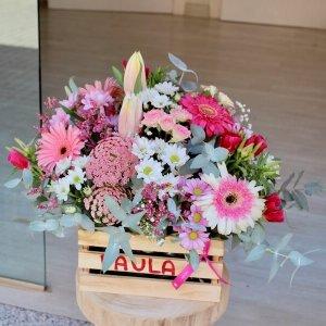 Caja personalizada con flores suaves