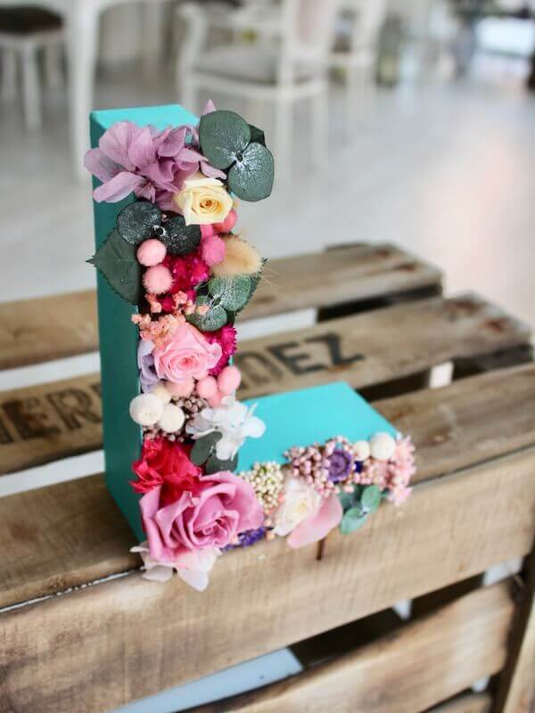 letras de flores preservadas para regalar en Barcelona