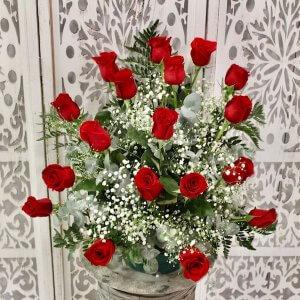 Centro de 18 rosas rojas