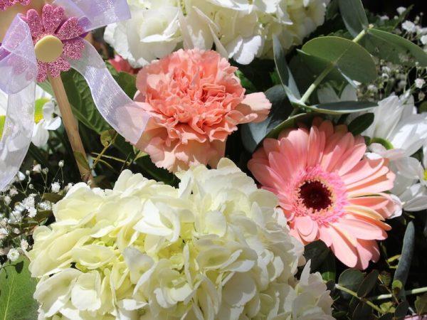 Caja de flores para mama ideal para regalar el día de la madre